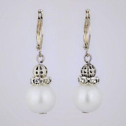 sølv øredobber sølv ørepynt hvite matte perler hvite glassperler rondeller fasettert transparent glass sølv filigran metallperler øsken perlemor