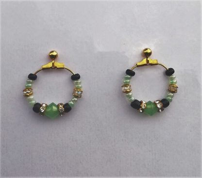 Earrings creol øreringer gull grønn turkis green turquoise glass pearls glassperler gold golden beaded earrings crystals black